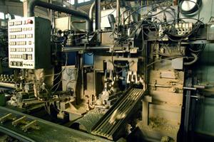Hexaxial automatic cutting machine inside